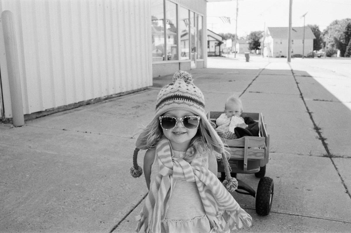 small-town-Wisconsin-black-and-white-fine-art-film-photography-by-Studio-L-photographer-Laura-Schneider-_0033