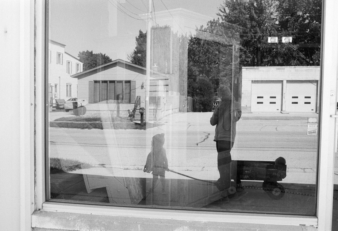 small-town-Wisconsin-black-and-white-fine-art-film-photography-by-Studio-L-photographer-Laura-Schneider-_0034