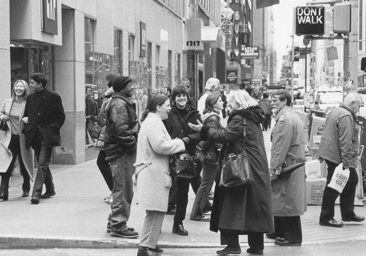 Manhattan-New-York-black-and-white-fine-art-film-street-photography-by-Studio-L-photographer-Laura-Jean-Schneider-_006