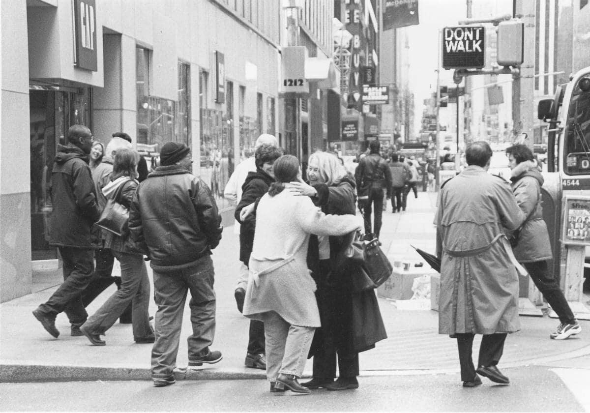 Manhattan-New-York-black-and-white-fine-art-film-street-photography-by-Studio-L-photographer-Laura-Jean-Schneider-_007