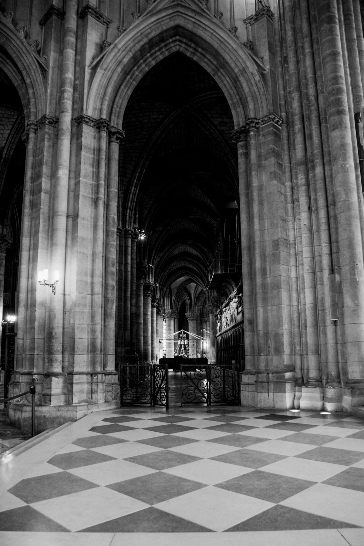 Notre-Dame-Paris-France-fine-art-photography-by-Studio-L-photographer-Laura-Schneider-_4969