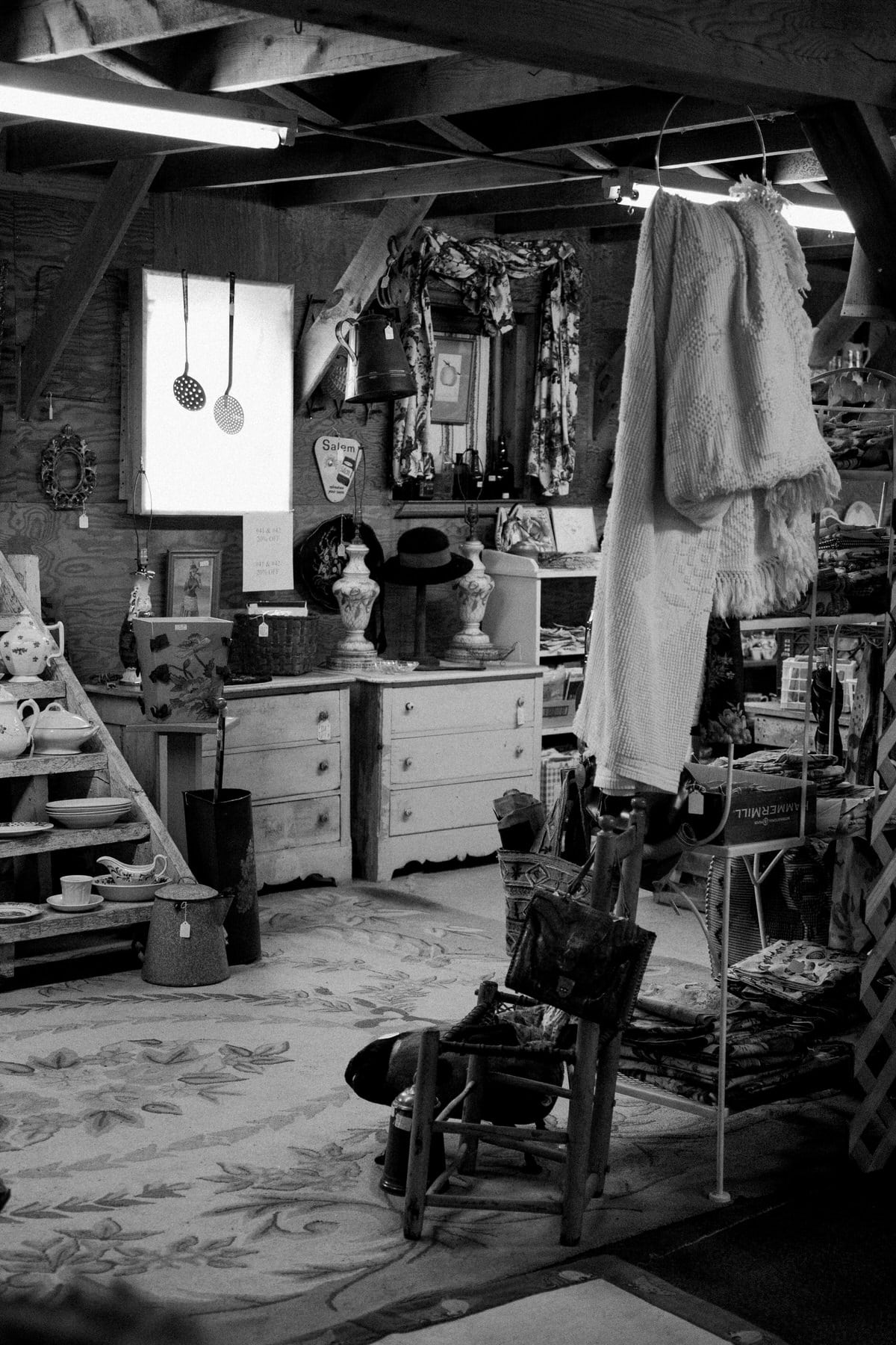 Maine-flea-market-black-and-white-fine-art-photography-by-Studio-L-photographer-Laura-Schneider-_5725
