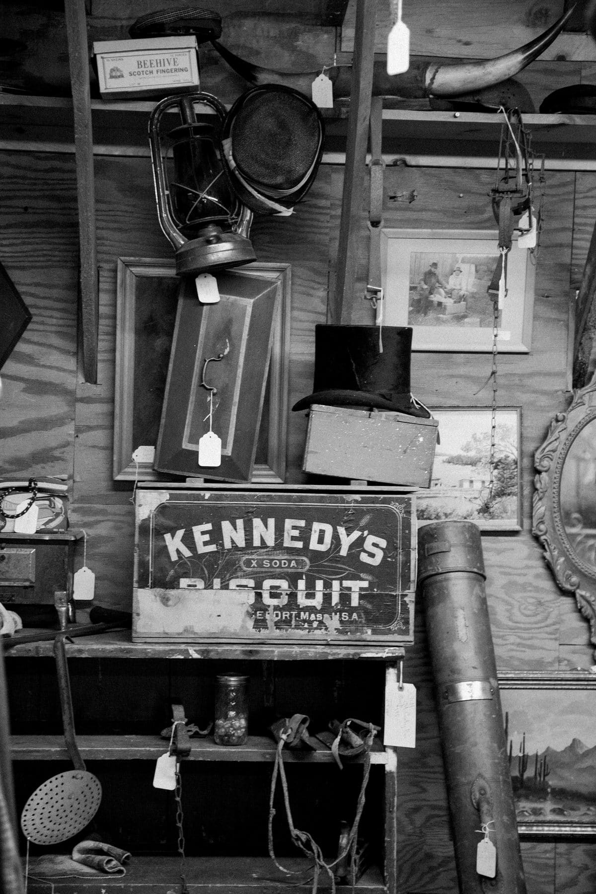 Maine-flea-market-black-and-white-fine-art-photography-by-Studio-L-photographer-Laura-Schneider-_5726