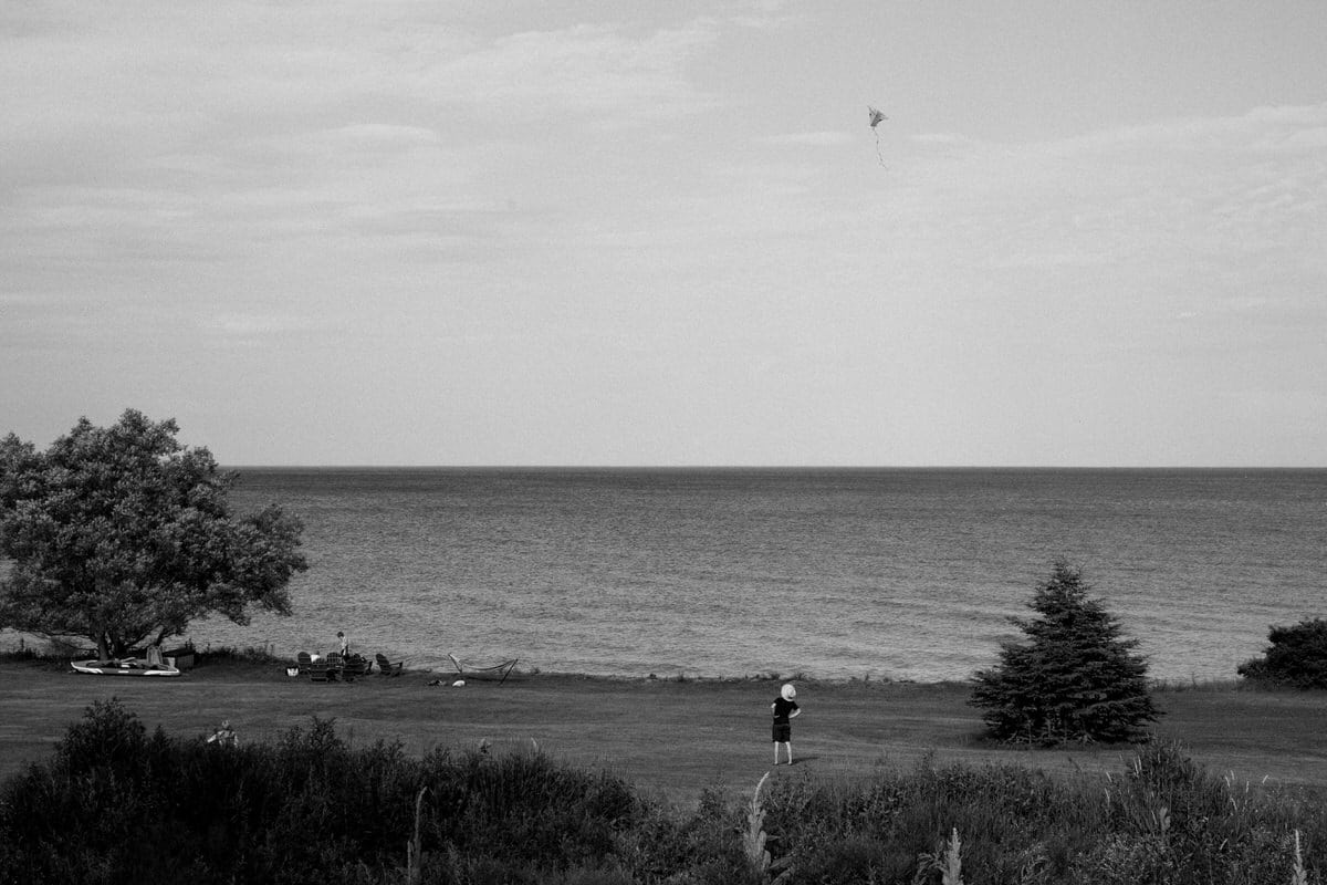 Lake-Michigan-Cottage-Wisconsin-black-and-white-fine-art-photography-by-Studio-L-photographer-Laura-Schneider-_9916