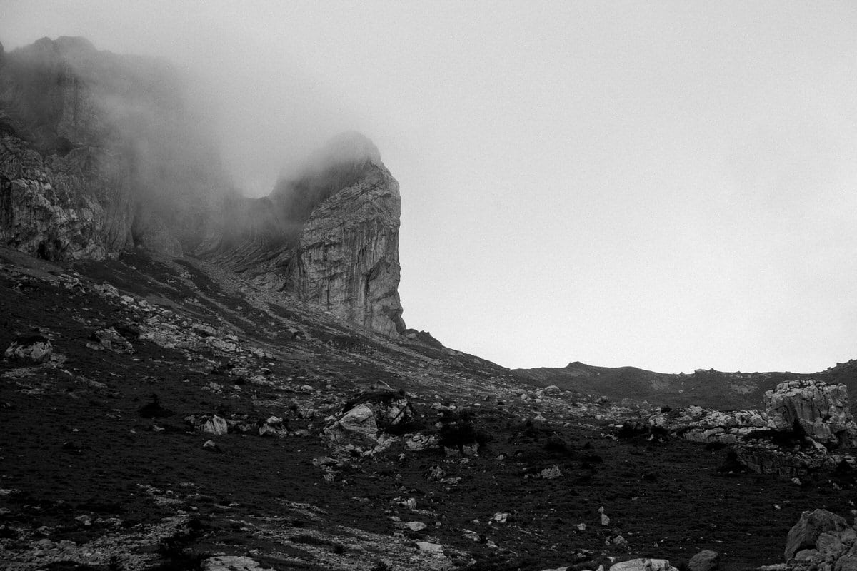 Mount_Pilatus_Lucerne_Switzerland-black-and-white-fine-art-photography-by-Studio-L-photographer-Laura-Schneider-_4387