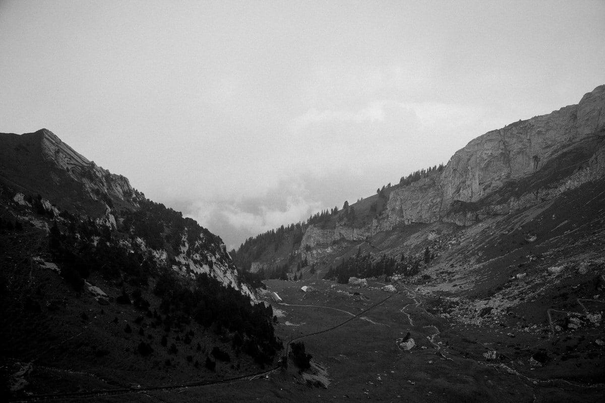 Mount_Pilatus_Lucerne_Switzerland-black-and-white-fine-art-photography-by-Studio-L-photographer-Laura-Schneider-_4390