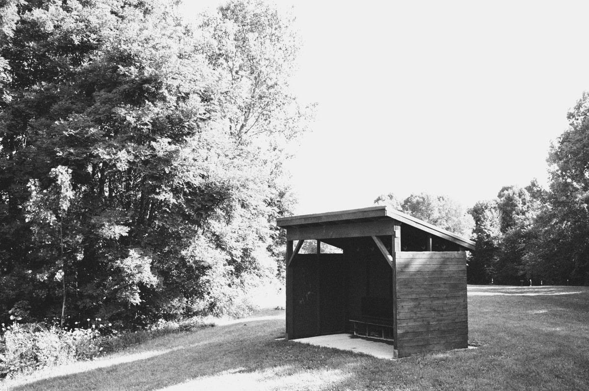Kiekhaefer-Park-Fond-du-Lac-Wisconsin-black-and-white-fine-art-film-photography-by-Studio-L-photographer-Laura-Schneider-_35A