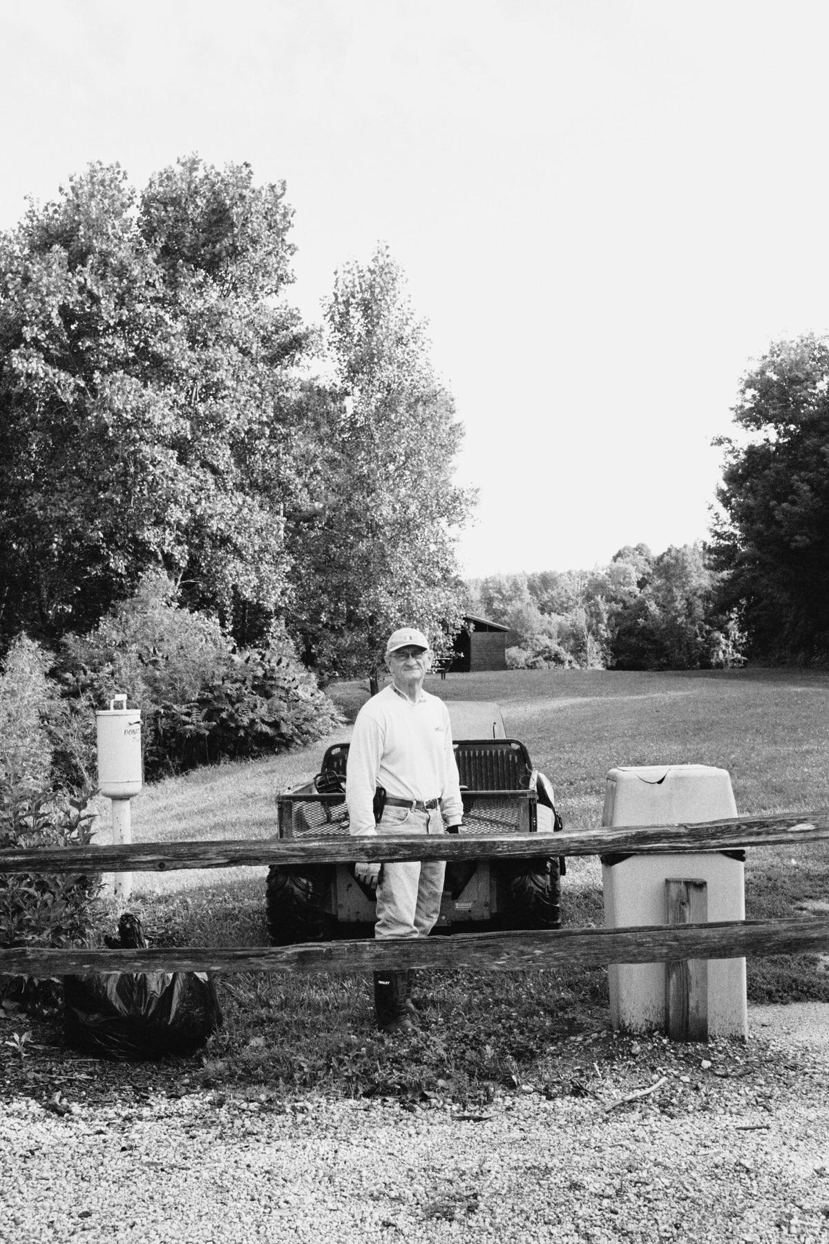 Kiekhaefer-Park-Fond-du-Lac-Wisconsin-black-and-white-fine-art-film-photography-by-Studio-L-photographer-Laura-Schneider-_37A