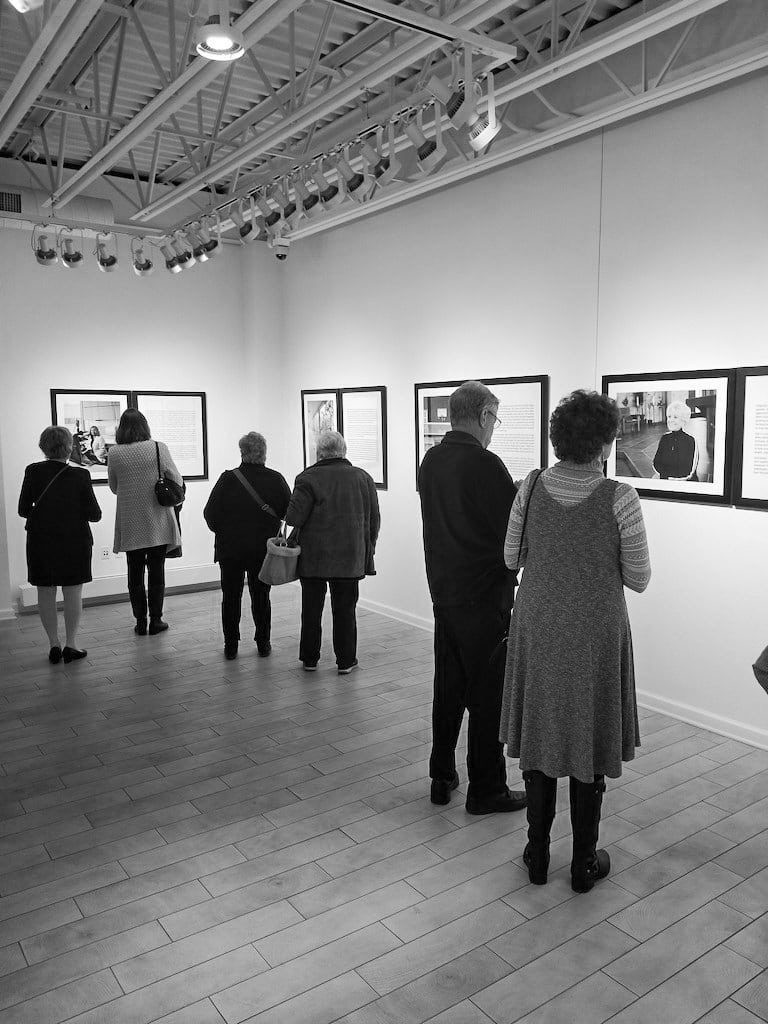 Illuminating-women_opening_exhibition-at_Thelma_Sadoff_Center_for_the_Arts_by-Laura_Schneider_and_Juliane_Troicki-_24
