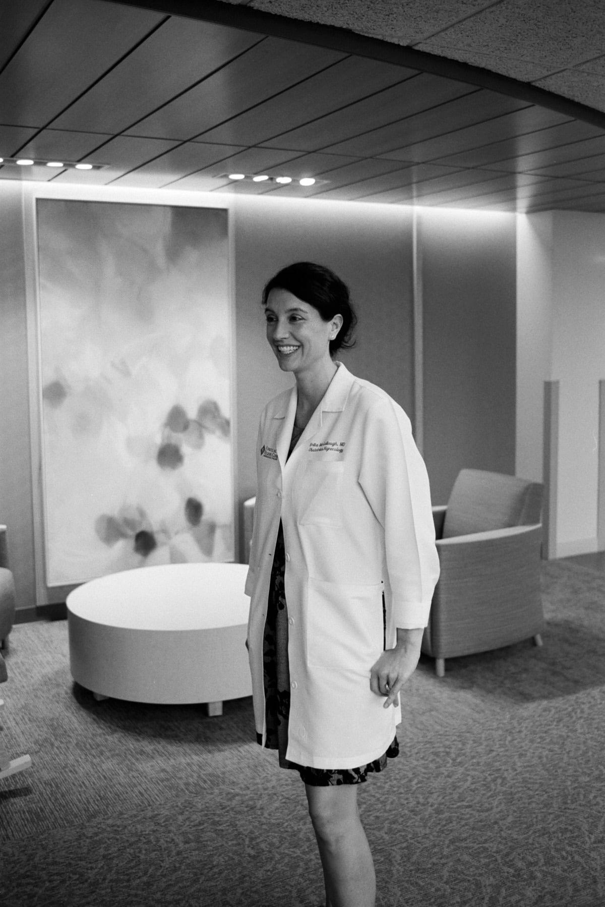 Illuminating-Women-art-exhibition-black-and-white-fine-art-film-photography-by-Studio-L-photographer-Laura-Schneider-10033 3
