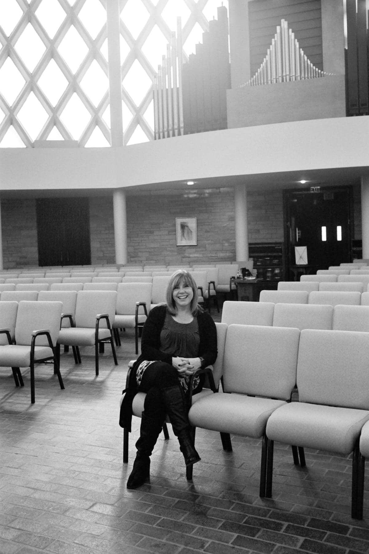 Illuminating-women_exhibition-black-and-white-fine-art-film-photography-of-Leslie-Jaber_Wilson-by-Studio-L-photographer-Laura-Schneider-_001