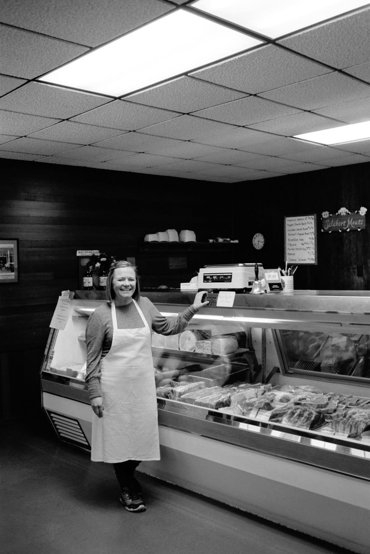 Illuminating-women_exhibition-black-and-white-fine-art-film-photography-of-Katie-Fuhrmann-of-Salchert-Meats-by-Studio-L-photographer-Laura-Schneider-_019