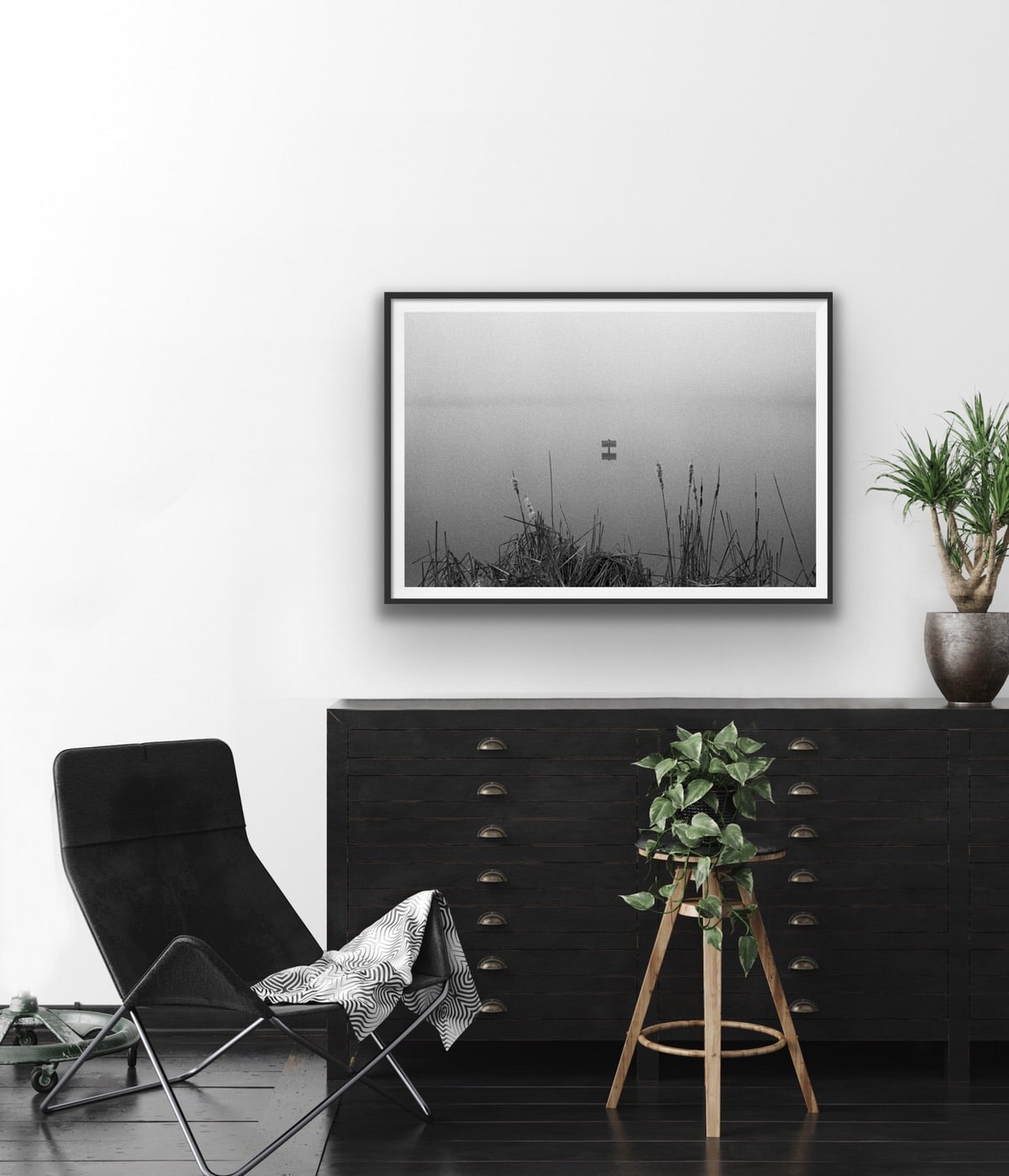 Black-and-white-fine-art-film-photography-wall-decor-by-emerging-artist-Studio-L-photographer-Laura-Schneider-_4711