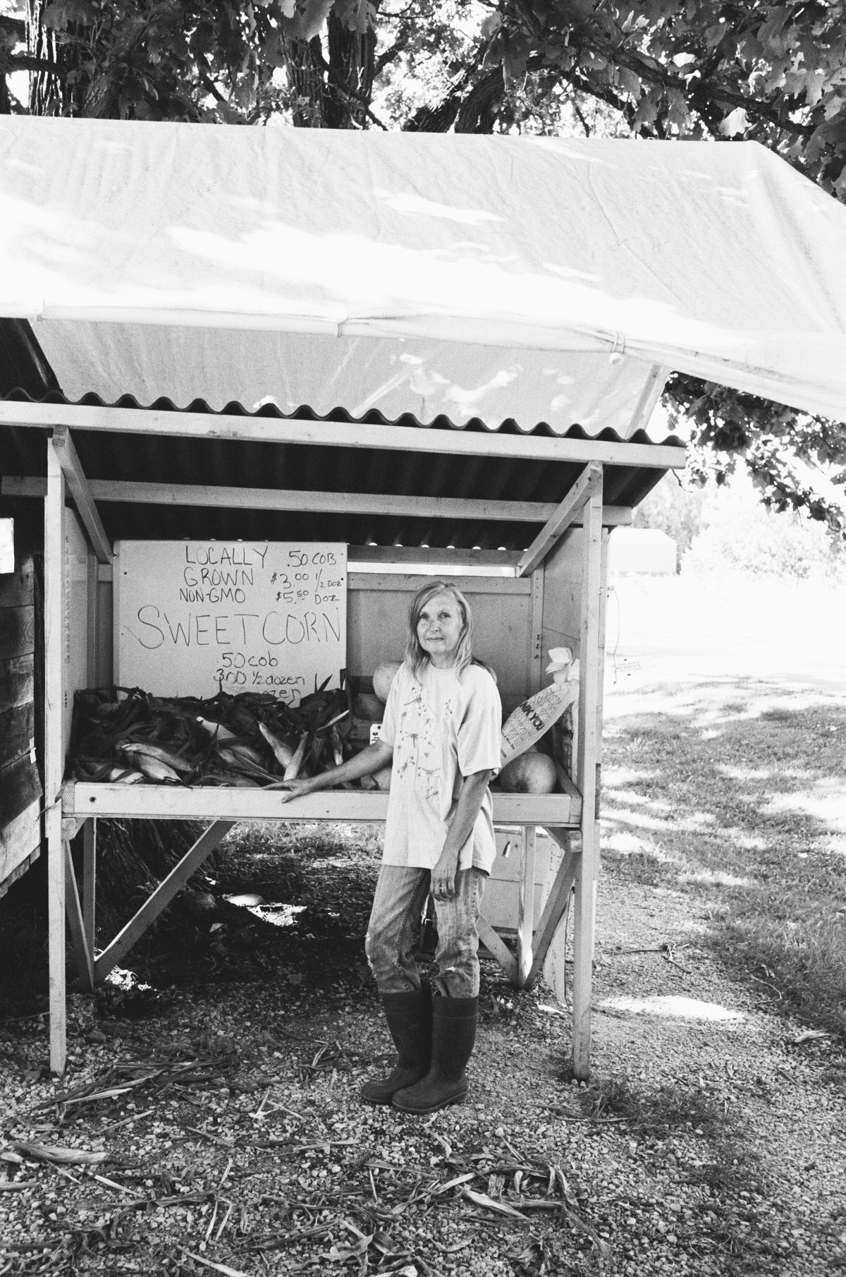Illuminating-women_exhibition-black-and-white-fine-art-film-photography-of-Wisconsin-farmer-Colleen-Lubbert-by-Studio-L-photographer-Laura-Schneider-_016