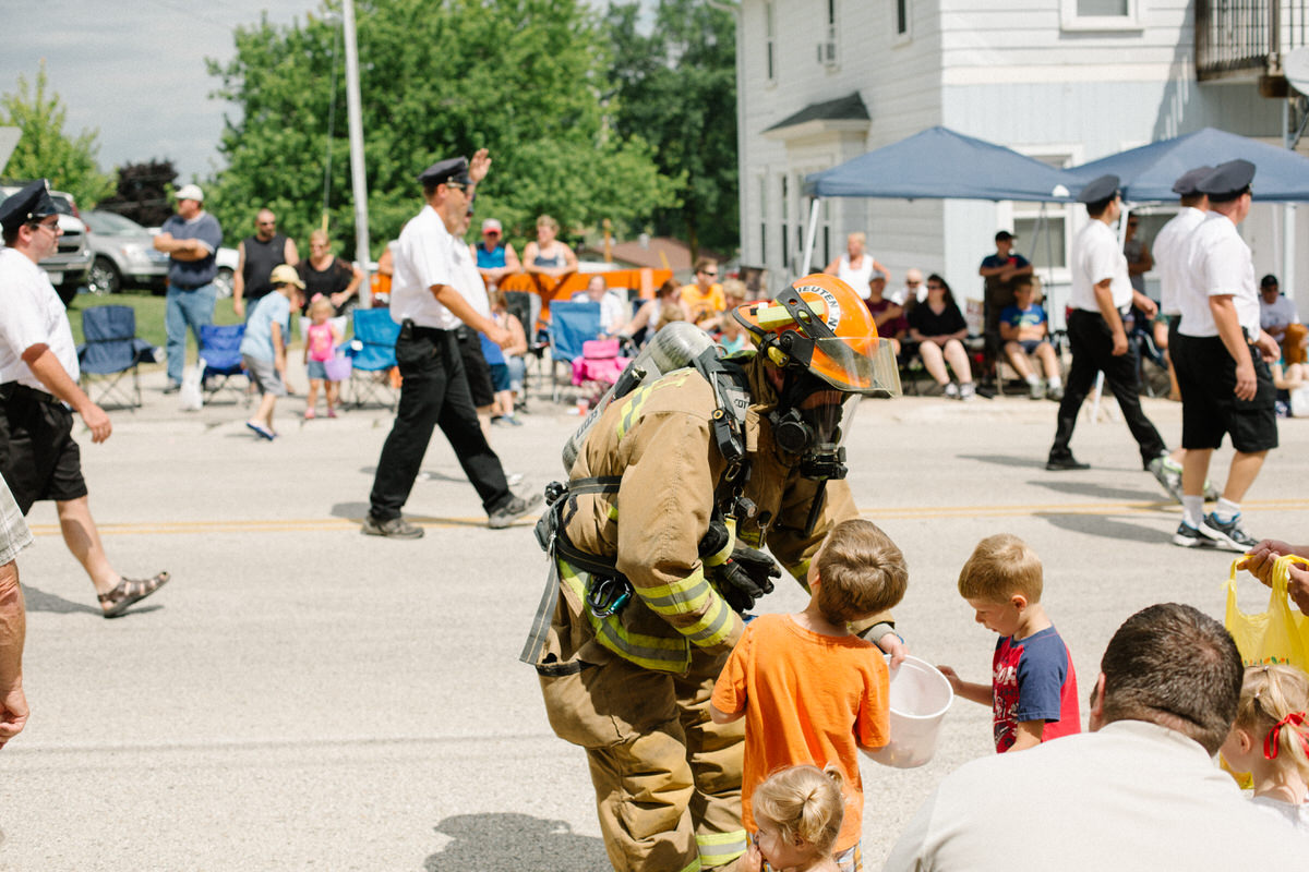 Mount-Calvary-Firemens-Picnic-Parade-Wisconsin-documentary-photography-by-Studio-L-photographer-Laura-Schneider-4006