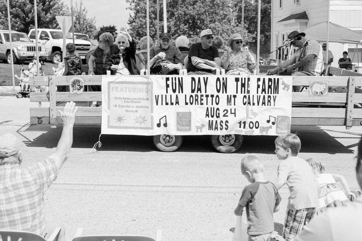 Mount-Calvary-Firemens-Picnic-Parade-Wisconsin-documentary-photography-by-Studio-L-photographer-Laura-Schneider_-3999