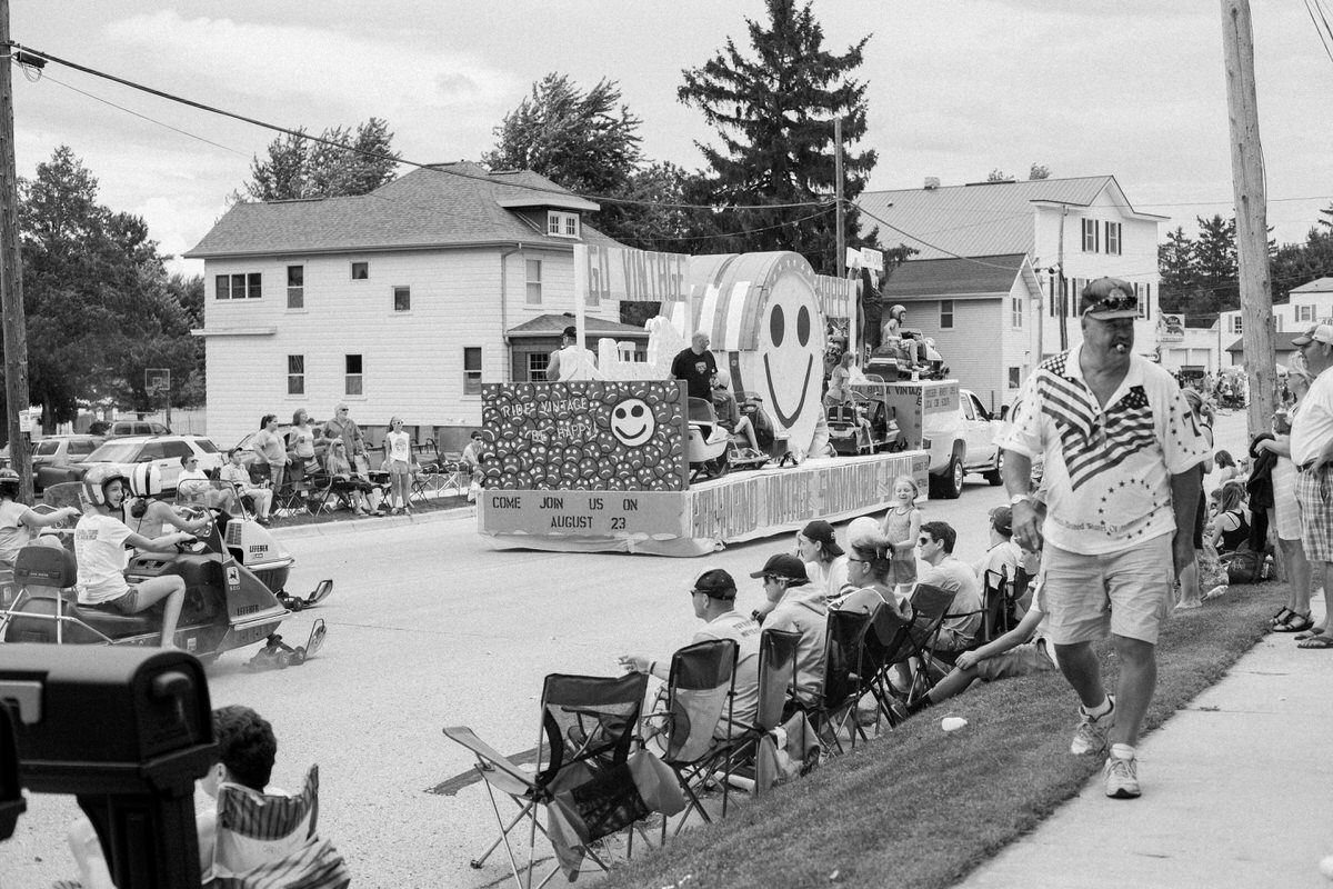 Mount-Calvary-Firemens-Picnic-Parade-Wisconsin-documentary-photography-by-Studio-L-photographer-Laura-Schneider_-4023