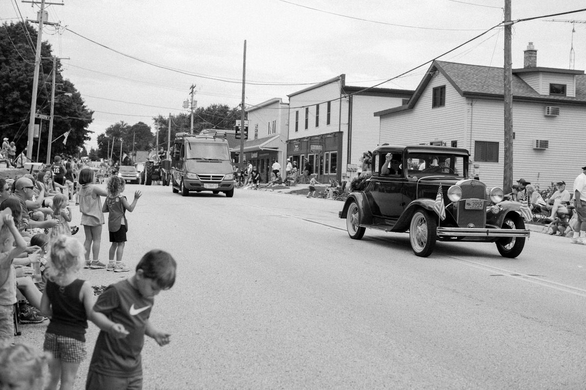 Mount-Calvary-Firemens-Picnic-Parade-Wisconsin-documentary-photography-by-Studio-L-photographer-Laura-Schneider_-6349