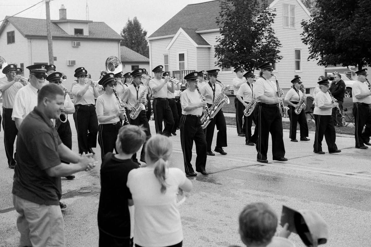 Mount-Calvary-Firemens-Picnic-Parade-Wisconsin-documentary-photography-by-Studio-L-photographer-Laura-Schneider_-9820