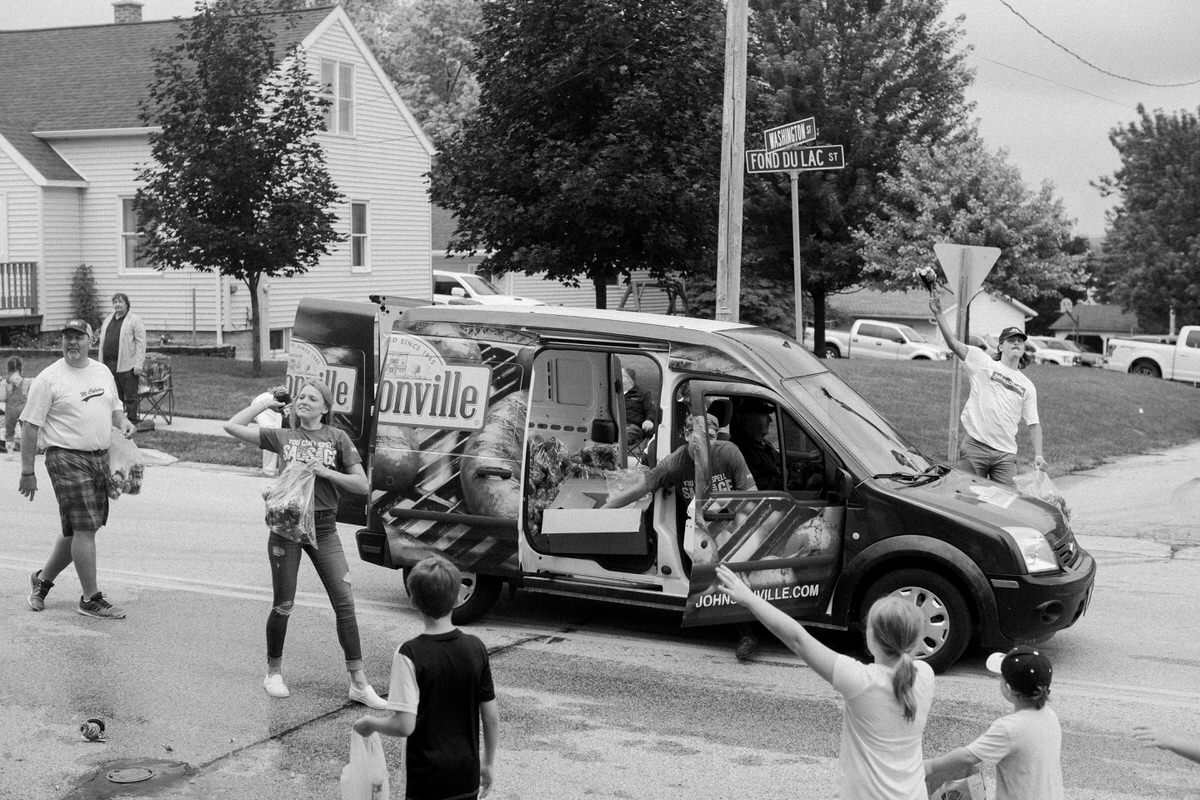 Mount-Calvary-Firemens-Picnic-Parade-Wisconsin-documentary-photography-by-Studio-L-photographer-Laura-Schneider_-9828