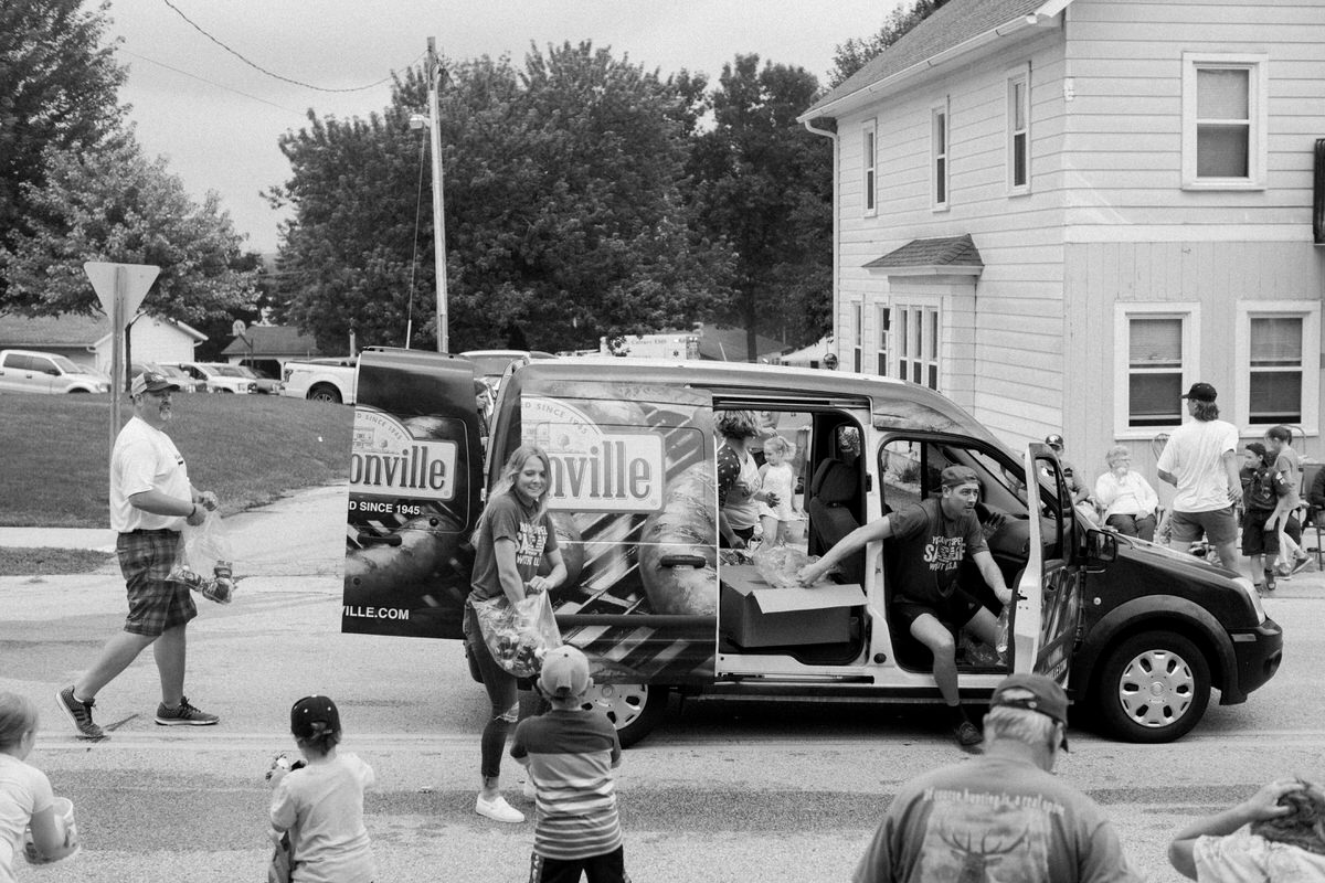 Mount-Calvary-Firemens-Picnic-Parade-Wisconsin-documentary-photography-by-Studio-L-photographer-Laura-Schneider_-9830