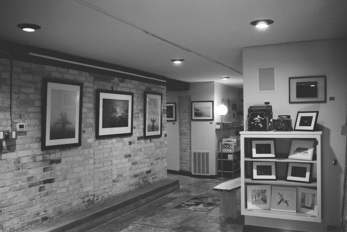 Black-and-white-film-photography-of-Honey-and-Ace-Sheboygan-Wisconsin-by-Studio-L-photographer-Laura-Schneider-_034