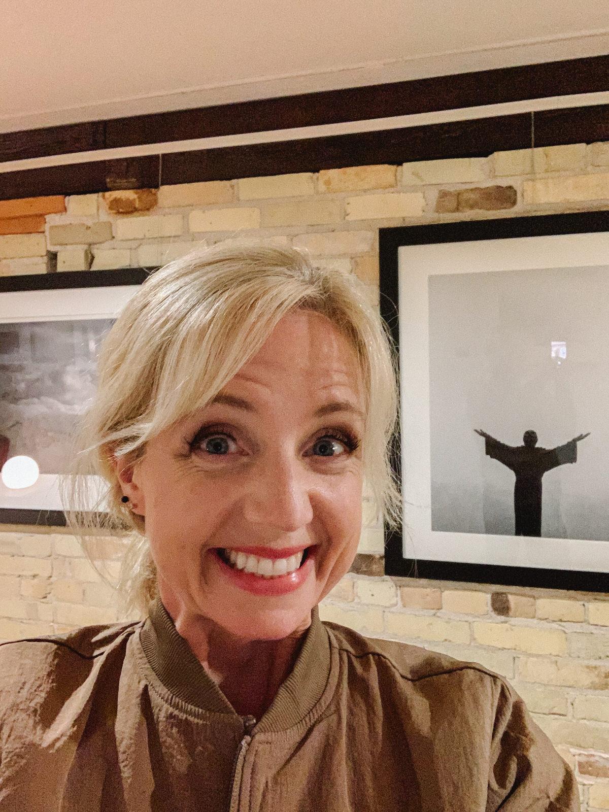 Self-Portrait-Studio-L-Photographer-Laura-Schneider-at-art-exhibition-Honey-and-Ace-_7597