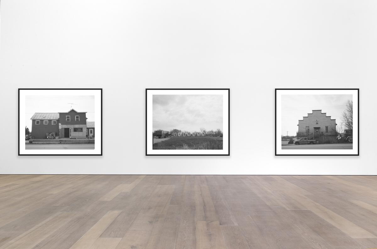 black-and-white-fine-art-film-photography-gallery-exhibition-by-Studio-L-photographer-Laura-Schneider-_057