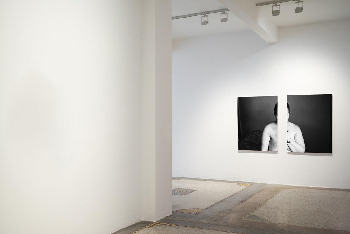 black-and-white-fine-art-film-photography-gallery-exhibition-by-Studio-L-photographer-Laura-Schneider-_060