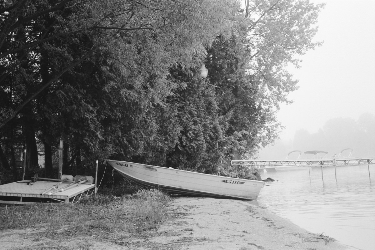 Black-and-white-film-photography-of-Elkhart-Lake-Wisconsin-by-Studio-L-artist-photographer-Laura-Schneider-_016