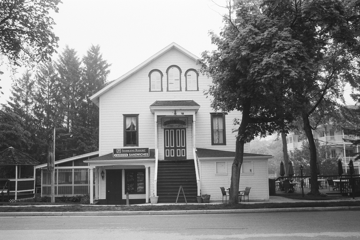 Black-and-white-film-photography-of-Elkhart-Lake-Wisconsin-by-Studio-L-artist-photographer-Laura-Schneider-_020