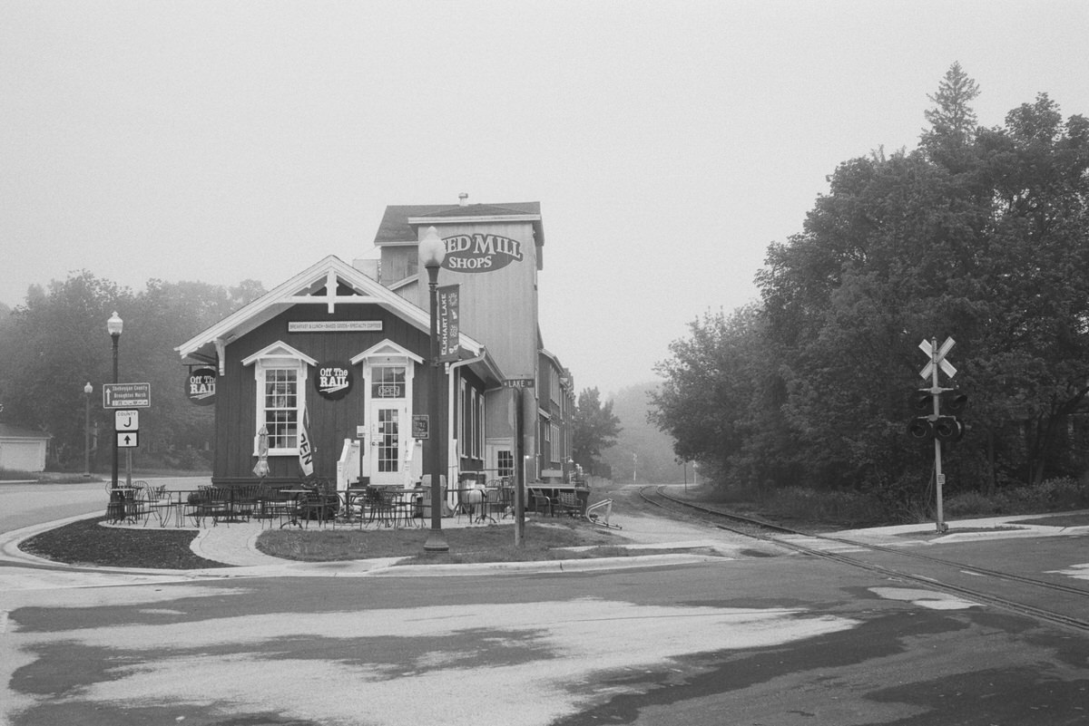 Black-and-white-film-photography-of-Elkhart-Lake-Wisconsin-by-Studio-L-artist-photographer-Laura-Schneider-_025
