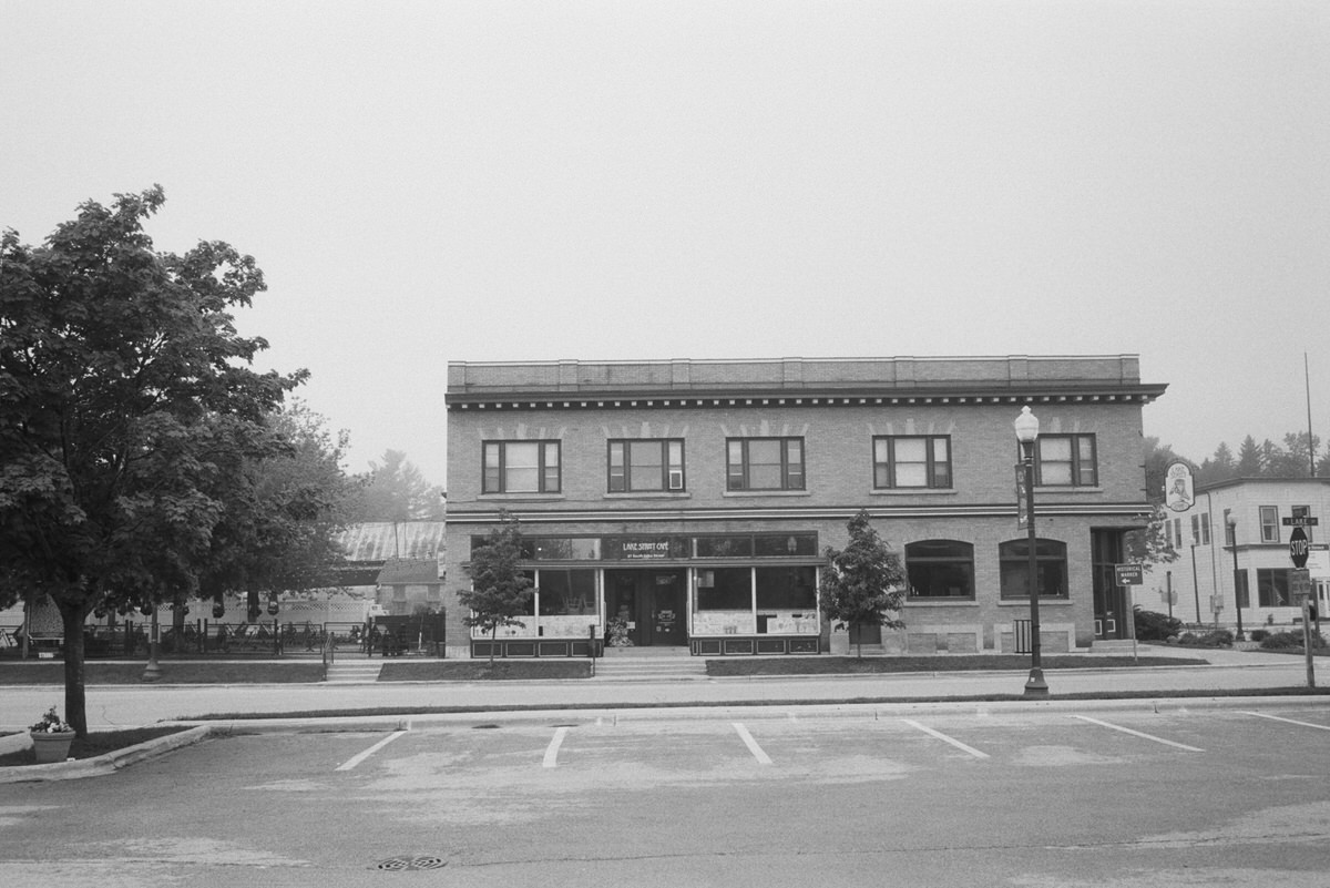 Black-and-white-film-photography-of-Elkhart-Lake-Wisconsin-by-Studio-L-artist-photographer-Laura-Schneider-_030