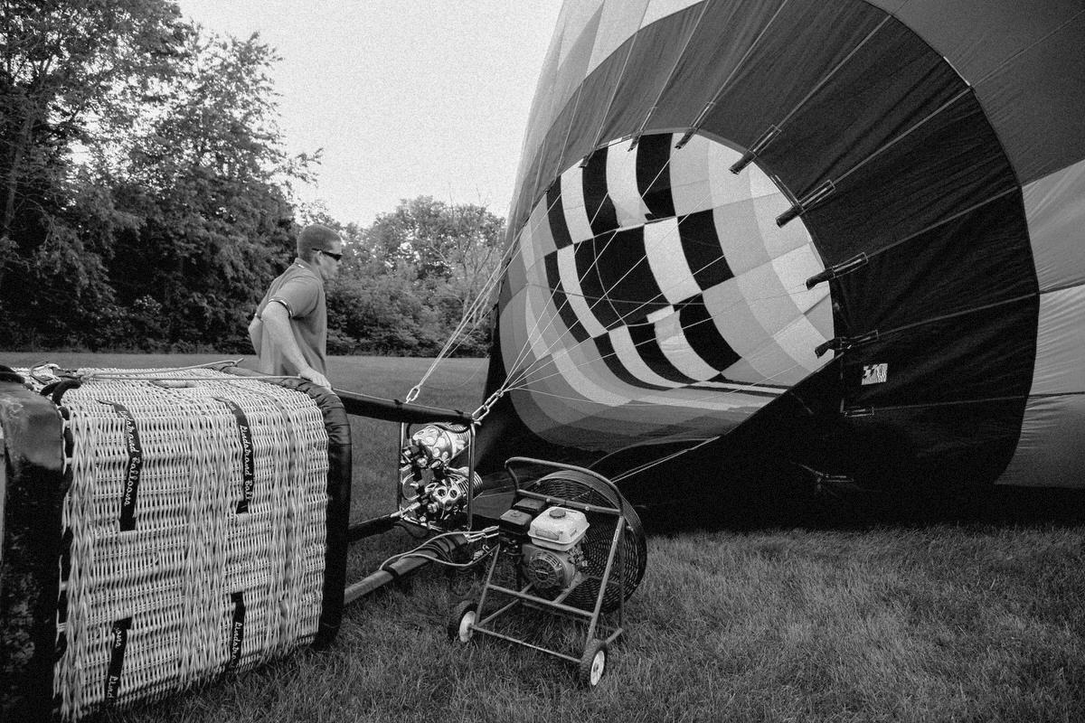 Hot-Air-Balloon-Ride-Galena-Illinois-fine-art-photography-by-Studio-L-photographer-Laura-Schneider-_6127