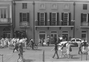 New-Orleans-Louisiana-black-and-white-fine-art-photography-by-Studio-L-photographer-Laura-Schneider-_017019A