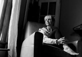 Self-Portrait-Fine-Art-Photography-by-Studio-L-Photographer-Laura-Schneider-_5911