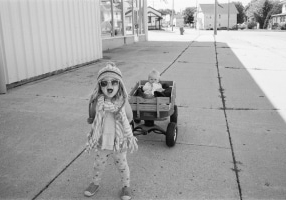 small-town-Wisconsin-black-and-white-fine-art-film-photography-by-Studio-L-photographer-Laura-Schneider-_0032